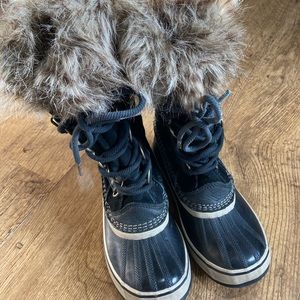 Sorel waterproof suede black high lace up boots